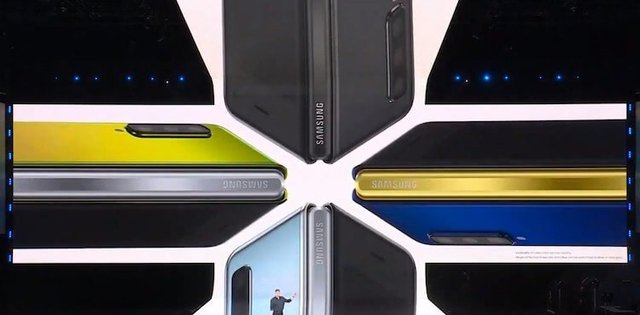Samsung показала складной смартфон Galaxy Fold за 150 тысяч рублей
