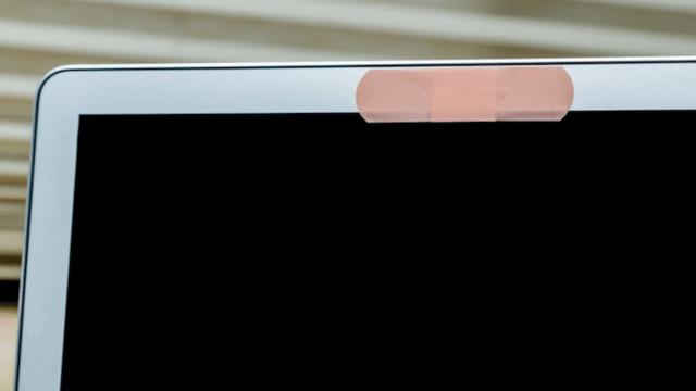 Как понять, что ваша фронтальная или веб-камера взломаны