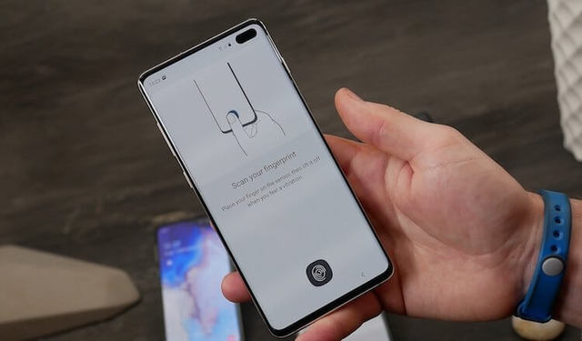 Samsung рассказала о недостатках дисплейного сканера в Galaxy S10