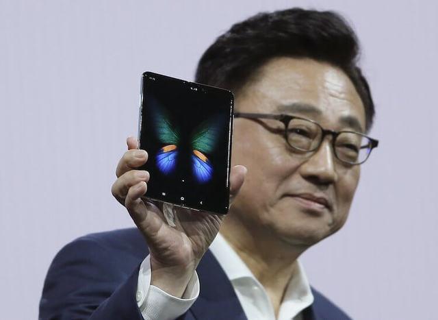 Samsung показала ключевые особенности Galaxy Fold в серии промо-видео