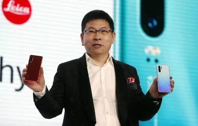 Представлены камерофоны Huawei P30 и P30 Pro с 50-кратным зумом и мощным железом