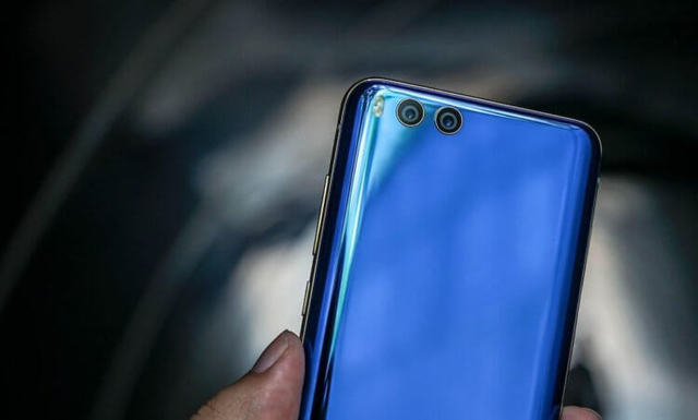 Мужайтесь: Xiaomi Mi 9 получит устаревший дизайн